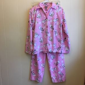 PEANUTS FEATURING SNOOPY  FLANNEL PAJAMA SET.